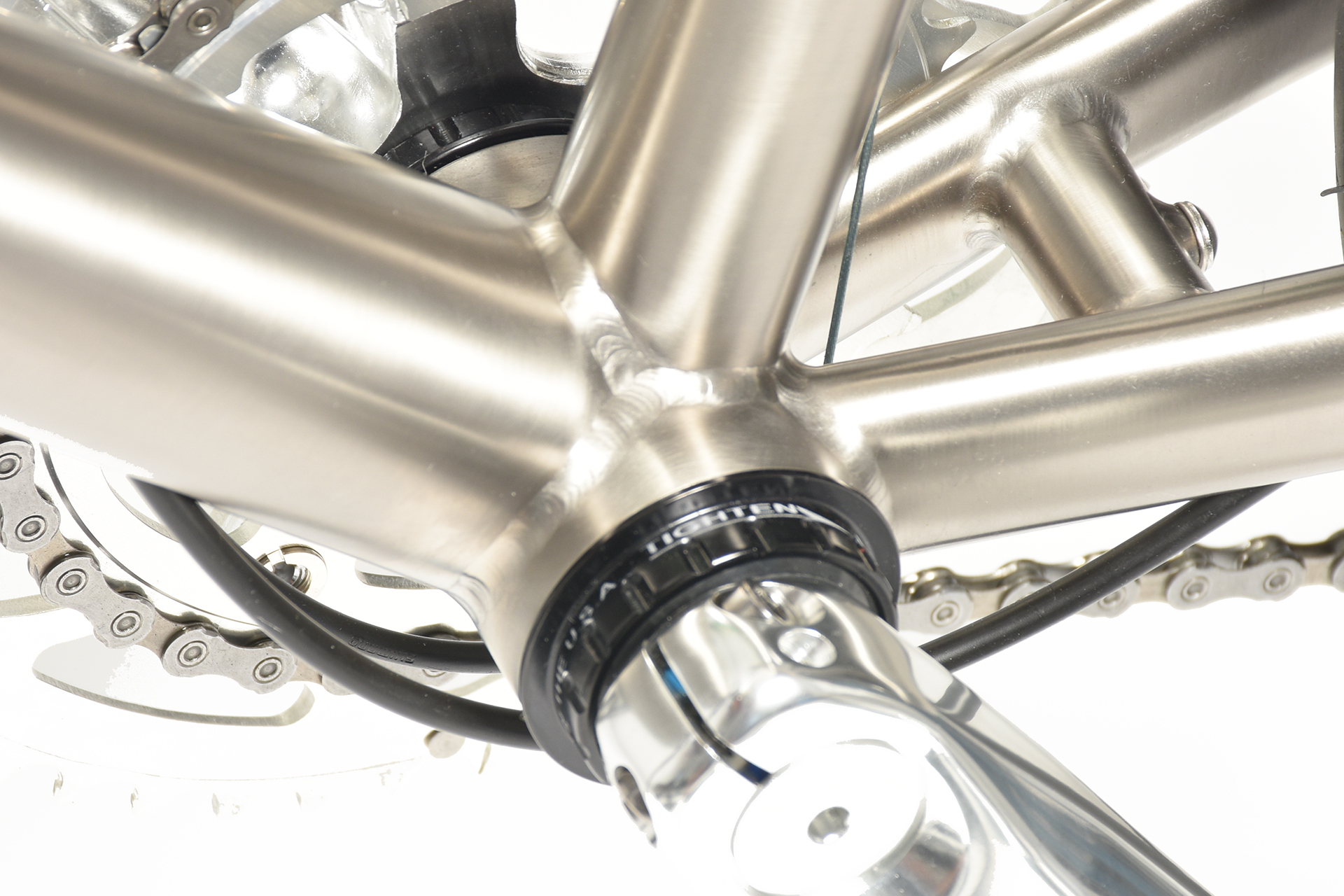 bikes for big guys with titanium t47 bottom bracket shell